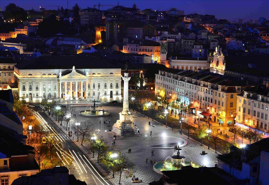 Lisboa | Tour Regular Noturno com Jantar e Show de Fado